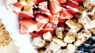 grilled chicken & fruit cobb salad
